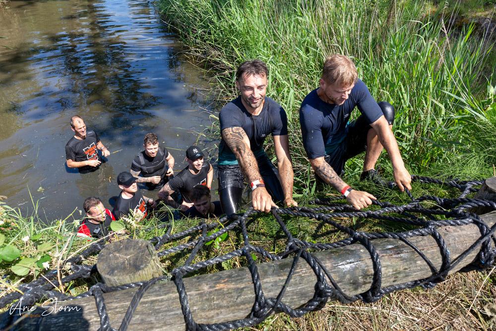 Mentaal moet je ook sterk zijn om deel te nemen aan deze bootcamp of survival-run